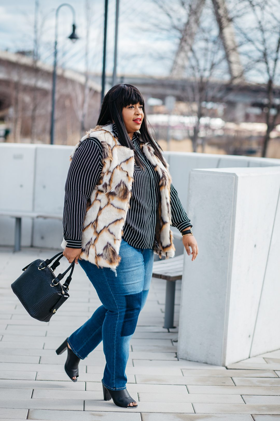 Plus Size Blogger Mixing Prints and Plus Size Fur Vest